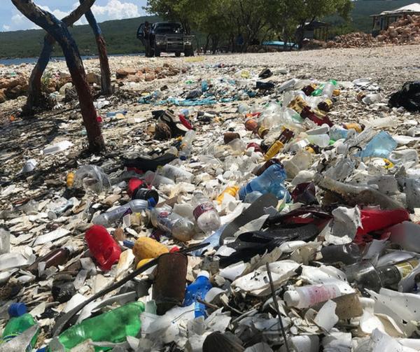 Litter lining La Gonave's coast
